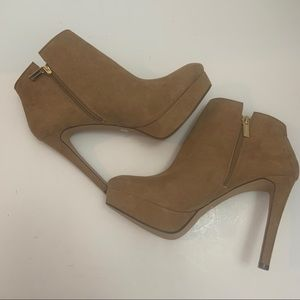 Jessica Simpson Tan NWT Raxen Suede Ankle Boots